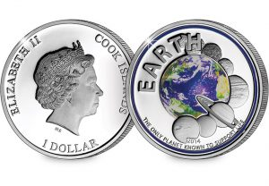 earth coin 1 300x208 - The Planet Earth UV Coin
