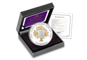 lrm cuni proof box 1 300x208 - The Longest Reigning Monarch £5 Proof Coin