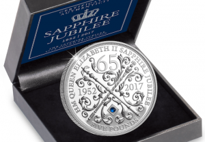 sapphire jubilee 5 pound cuni proof coin box close up 1 300x208 - sapphire-jubilee-5-pound-cuni-proof-coin-box-close-up